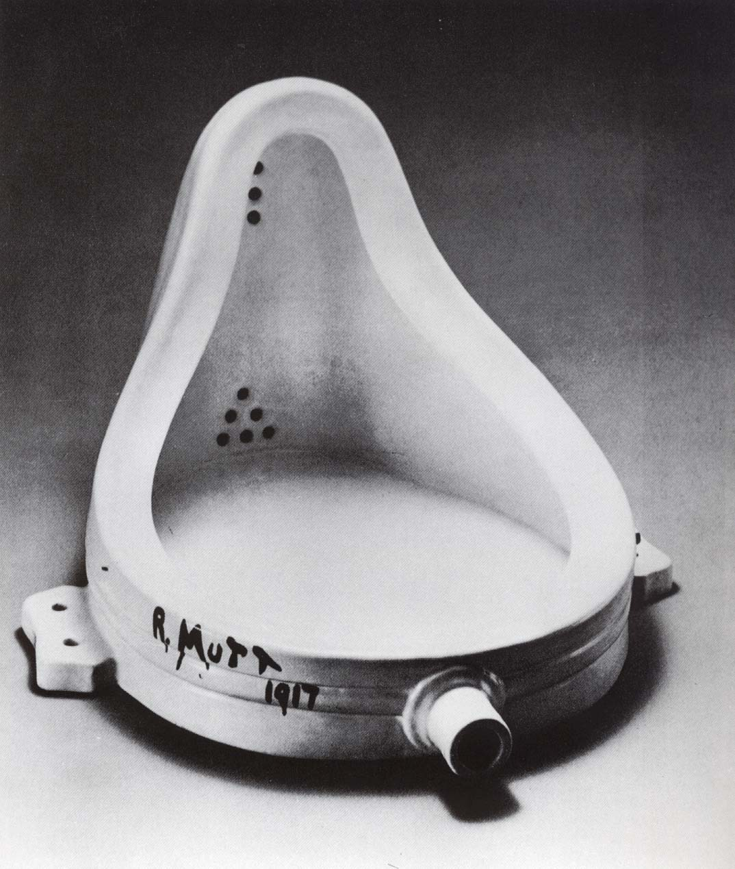 Marcel-Duchamp-Fontaine-1917