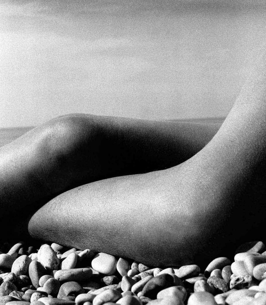 bill-brandt-nude-baie-des-anges-france-1958-892x1024